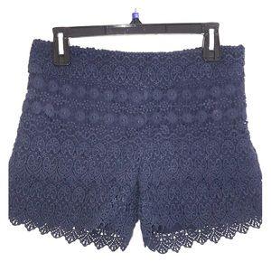 🔥Ann Taylor Loft Navy Blue shorts. Size 0.